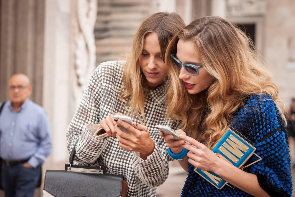 O Fashion Week é o maior evento de moda do Brasil e é preciso se aproximar de quem dita as próximas tendências para se relacionar com o seu consumidor. Foto: Tinxi / Shutterstock.com