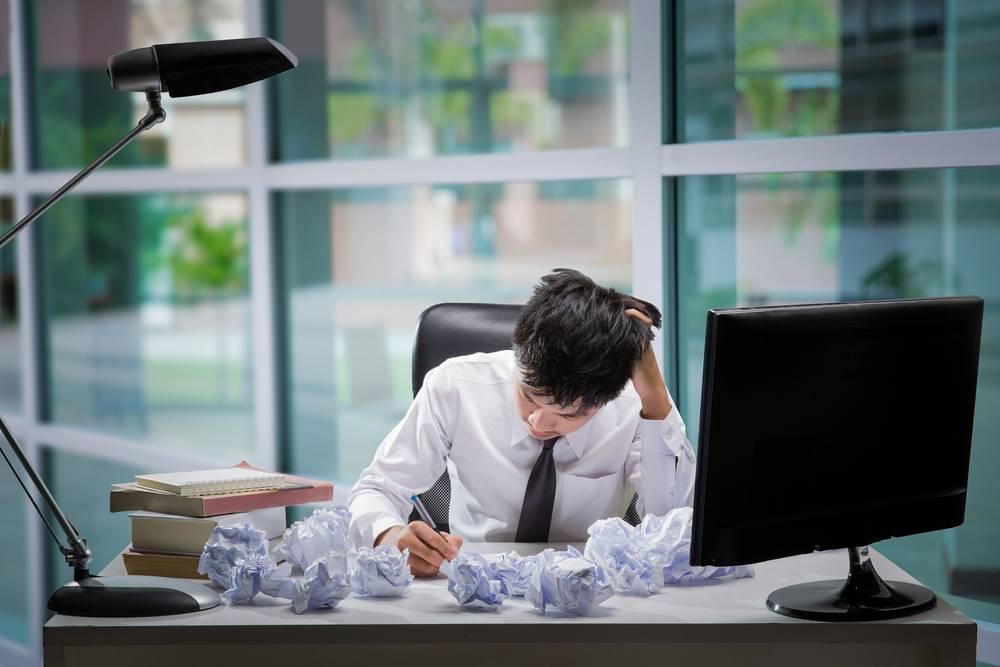 Possuir uma política clara e planejar antecipadamente são a melhor maneira de gerenciar as férias dos funcionários, permitindo que todos descansem sem comprometer a produtividade da empresa.