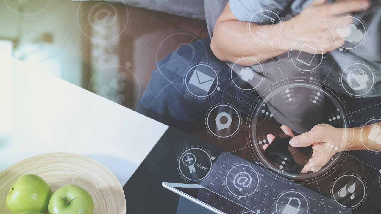 """A bola da vez é integrar o físico com o digital – """"phigital"""", integrando todos os canais da sua empresa em um conceito chamado omni-channel."""