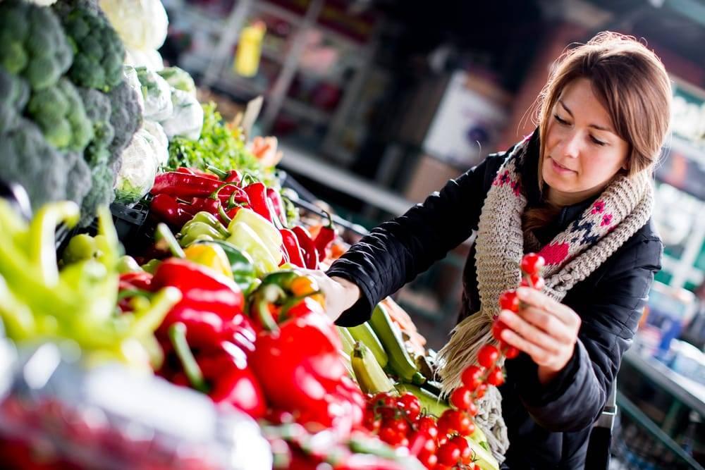 As tendências globais para a alimentação estão relacionadas à saúde, à conveniência e ao estilo de vida. Além disso, os millennials querem ser ouvidos e demandam conexões com as marcas, cobrando delas atitudes éticas.