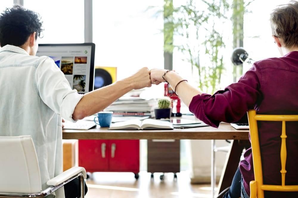 Os recursos digitais disponíveis são fundamentais para a comunicação interna, mas nada substitui o poder e o resultado da comunicação direta e dos momentos de boa conversa entre a liderança e os funcionários.