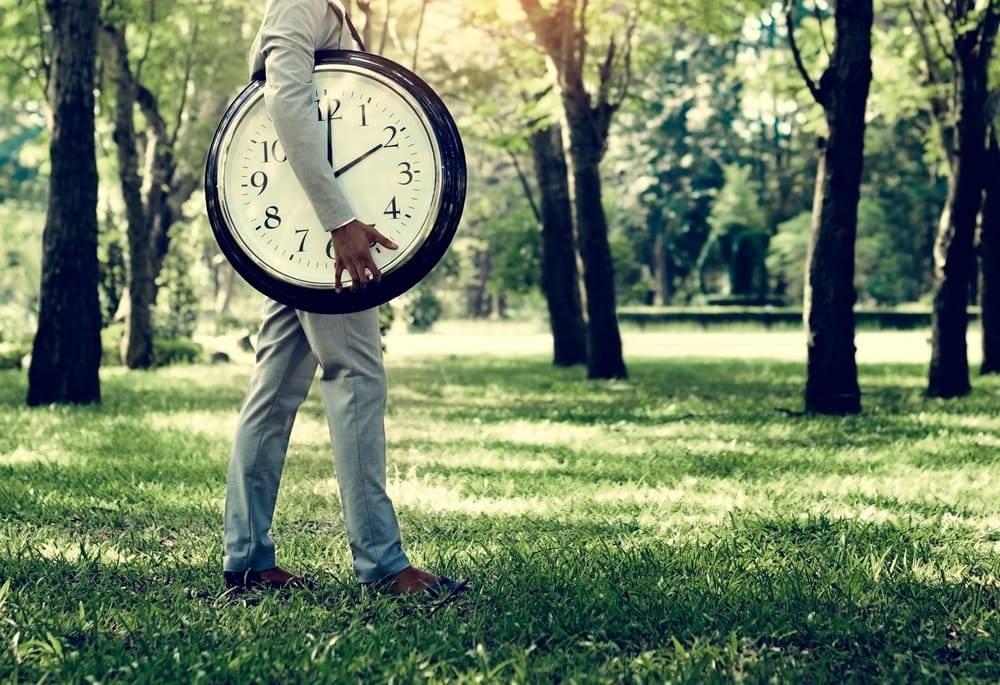 A pontualidade é importante para a sua vida pessoal e, principalmente, para o seu trabalho.
