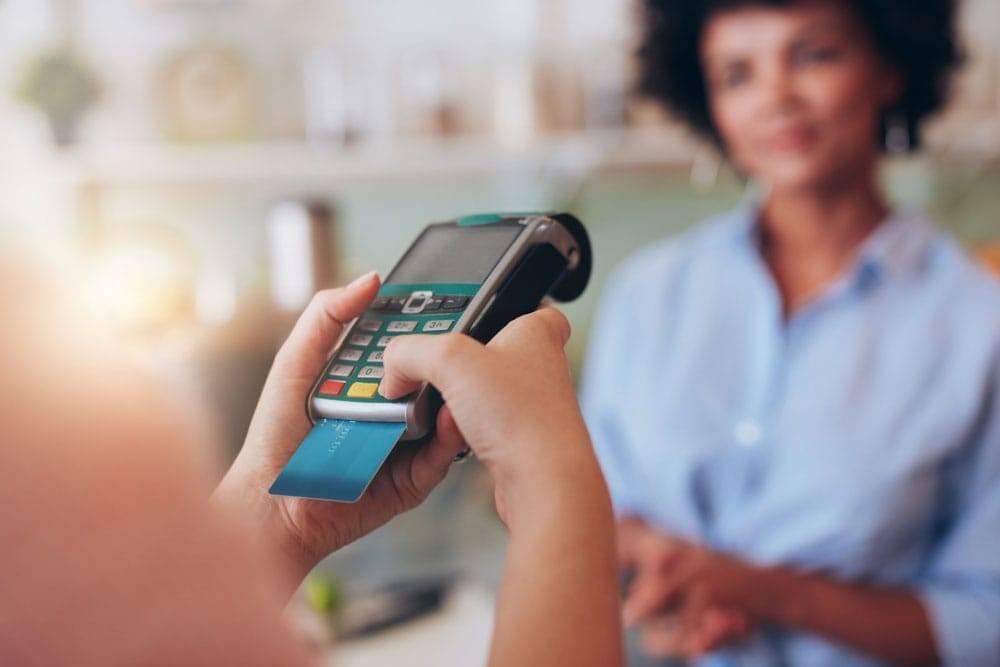 Seja débito ou crédito, os cartões são usados mais e mais a cada dia.