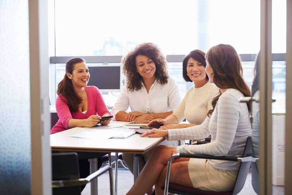 O tempo em que o empreendedorismo feminino não era encorajado ficou no passado e, hoje, elas não somente tocam seu próprio negócio como ocupam posições de grande destaque no mercado de trabalho.