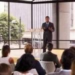 Além do empreendedorismo de palco: como manter sua equipe motivada