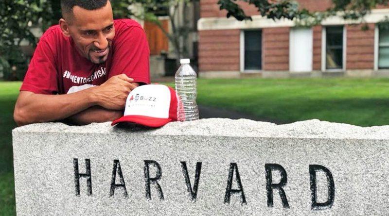 Rick dá palestra em Harvard
