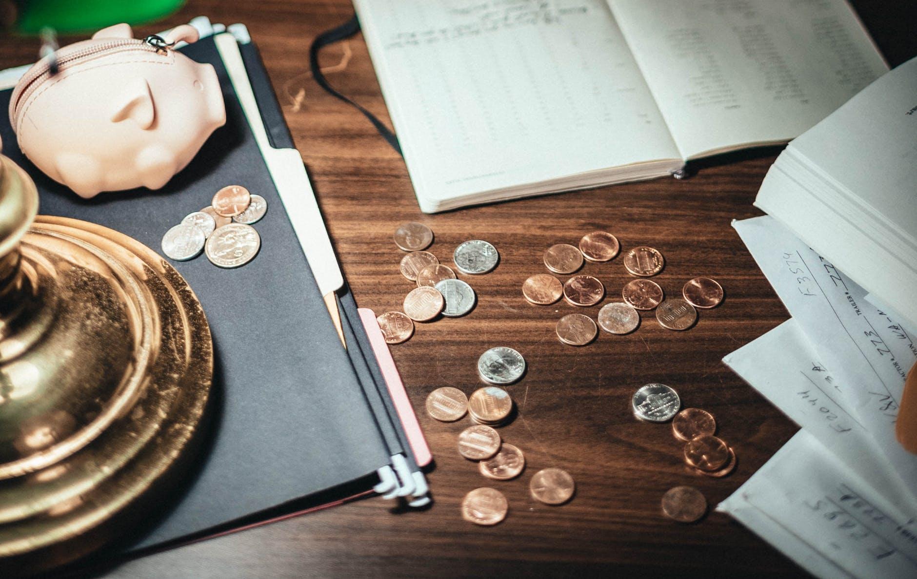 Cortar custos ou aumentar o preço: qual a melhor saída para ter maior receita?