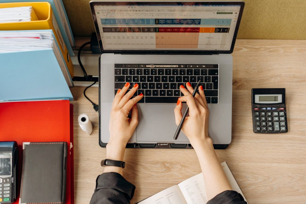 Como fazer gestão financeira básica para organizar minhas finanças?