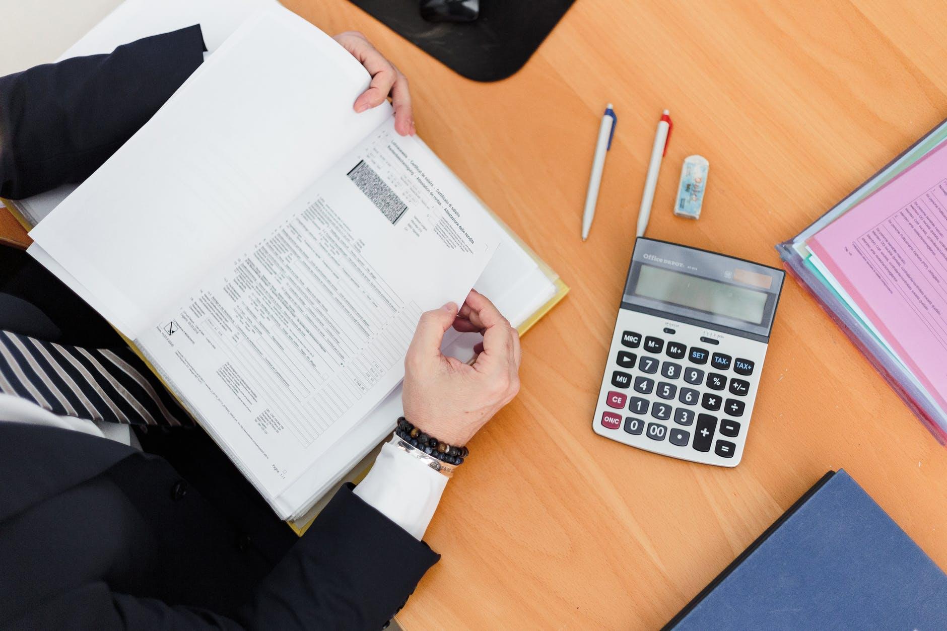 Como fazer provisão de impostos e evitar o risco de não conseguir pagar contas e salários?