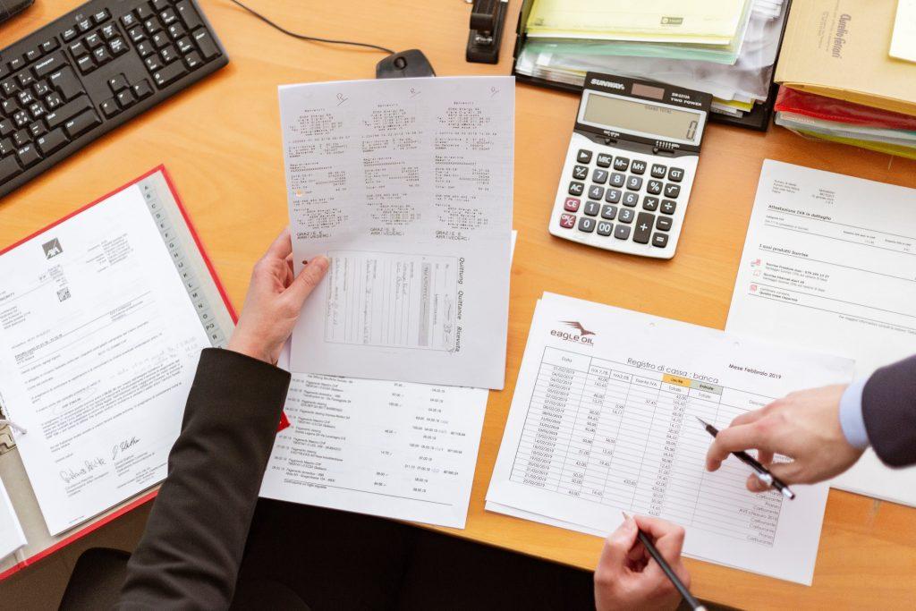 Qual a melhor forma de renegociar as dívidas da minha empresa?