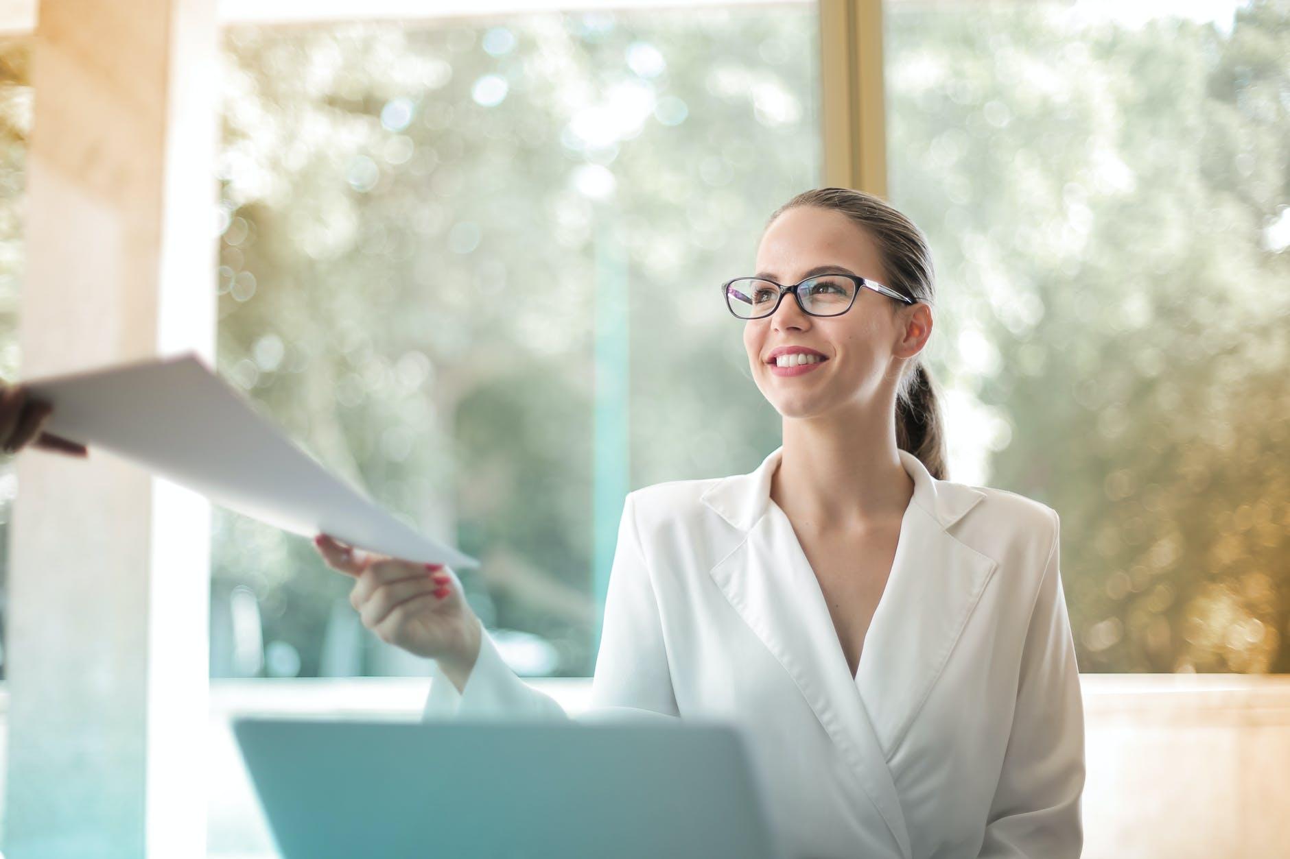 Como evitar que meu funcionário aprenda tudo e depois vire meu concorrente?