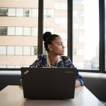 Como criar estratégias para não depender exclusivamente de um único funcionário?